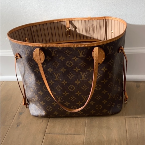 Louis Vuitton Handbags - Louis Vuitton Neverfull MM